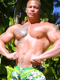 Incredibly ripped ethnic stallion loves flexing his muscles and stroking his rod