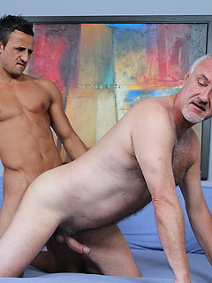Horny mature stallion Jake Cruise likes having a thick rod inside of his anus
