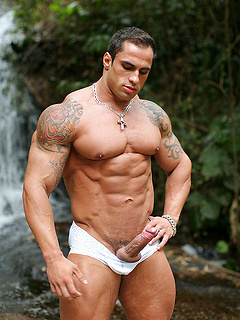 Brazilian Samuel Vieira is a bodybuilding god with a big cock that he whips out