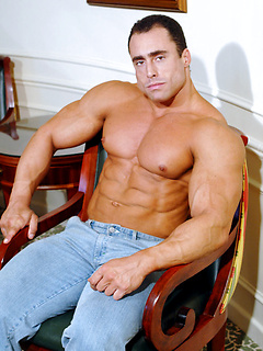 Insanely buff body builder Steve English flexes his impressive muscles and turns you on