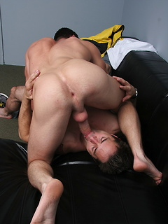 Horny stallion fucks his kinky boyfriend before creaming his large chest