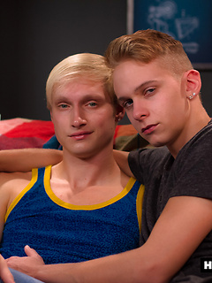 Two sexy blonde twinks have steaming hot bareback sex with each other