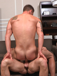 His tight asshole wants a big dick inside it and he insists on screwing bareback