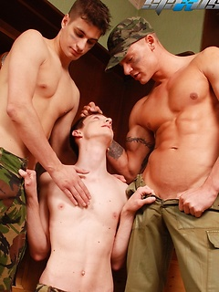 Horny gay guy Kurt Maddox likes to moan while two guys fuck him at the same time