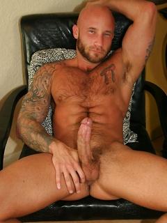 Bald Drake Jaden starts stripping down before he jerks his long pecker