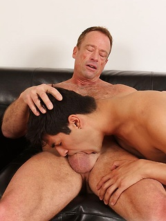 Cute twink Andrew Markus lets Roman Aleks slide his big shaft in his butthole