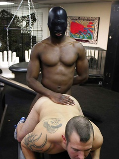 Horny black guy gets to fuck his horny friend on the floor until he cums